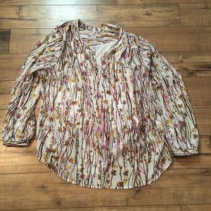 Cute women's liz tunic with shell. Size 2x